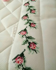 1 million+ Stunning Free Images to Use Anywhere Cross Stitch Horse, Cross Stitch Borders, Cross Stitch Flowers, Cross Stitch Patterns, Hand Embroidery, Embroidery Designs, Horse Pattern, Free To Use Images, Diy Bow