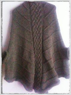 133 meilleures images du tableau Ponchos   Crochet clothes, Crochet ... d322f5ac655