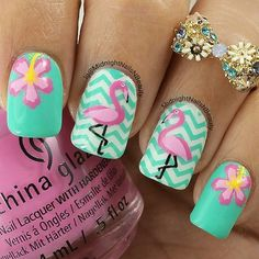 ☀️Fun summer mani by @midnightnailsnbeauty Andrea is using our Small Chevron Nail Vinyls found at: snailvinyls.com