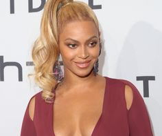 Beyonce Shows Off Plenty of Cleavage in Philipp Plein Plunging Gown and Christian Louboutin Pumps at Tidal X: 1020 Amplified Beyonce Hits, Beyonce Show, Beyonce 2016, Destiny's Child, 80s Hair, High Ponytails, Star Pictures, Star Pics, Beyonce Knowles