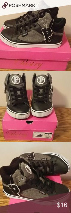 Pastry sneakers Like new. Have worn twice has very little dirt on bottom. Comes with box. Pastry Shoes Sneakers