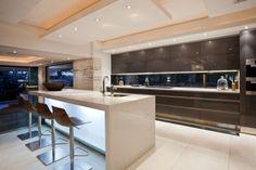 Küche modern luxus  Pin von Unistyle GmbH auf Herstellung und Küchen-Design ...