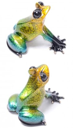 Topaz - UK Special by Frogman. Available from Artworx Gallery. www.artworx.co.uk Amazing Frog, Dremel Wood Carving, Red Eyed Tree Frog, Glass Frog, Frog Crafts, Poison Dart Frogs, Frog Art, Interesting Animals, Frog And Toad