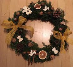 Podzimní na hrob dědečka Christmas Wreaths, Holiday Decor, Home Decor, Decoration Home, Room Decor, Home Interior Design, Home Decoration, Interior Design