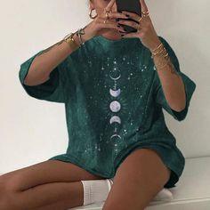 Star and moon print loose t-shirt designer Memory Pillows, Moon Print, Casual T Shirts, Women's Casual, Stars And Moon, Beautiful Outfits, Beautiful Clothes, Shirt Designs, T Shirts For Women