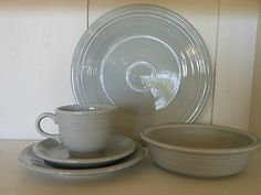 Fiesta Retired Pearl Gray 5 piece place setting