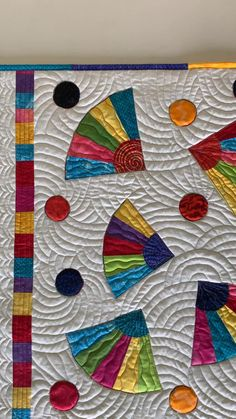 Circle Quilt Patterns, Circle Quilts, Patchwork Quilt Patterns, Modern Quilt Patterns, Scrappy Quilts, Quilt Block Patterns, Mini Quilts, House Quilt Patterns, Patchwork Fabric