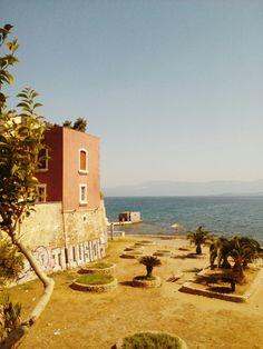 Κόκκινο σπίτι.. Παραλία Σουβάλα. Χαλκίδα!!