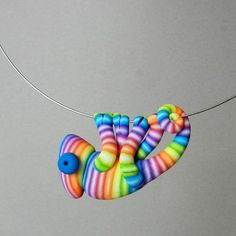 **Original hand-made chameleon shaped pendant made of FIMO (polymer clay)** **Unique pendant for uniqiue women who are not affraid to look different** **Chameleons love to sit on your neck and just relax** **Lenght of the chameleon is ca 5 cm Polymer Clay Kunst, Polymer Clay Animals, Fimo Clay, Polymer Clay Charms, Polymer Clay Projects, Polymer Clay Creations, Clay Crafts, Polymer Clay Jewelry, Plastic Fou
