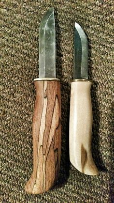 Pair of karesuando bushcraft or carving knives. The karesuando hare (haren) with birch handle and karesuando with custom spalted beech handle. Carbon steel blades.