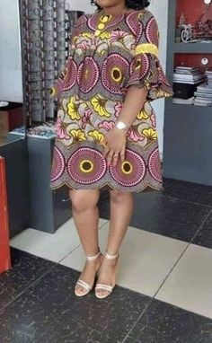 Here are some lovely ankara designs that suit your outing and any other event. Short African Dresses, African Blouses, Latest African Fashion Dresses, African Print Fashion, Long Dresses, Ankara Fashion, Africa Fashion, African Prints, African Fabric