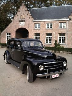 Volvo taxi Vintage Cars, Antique Cars, Volvo Cars, Car Makes, Koenigsegg, Automotive Design, Old Trucks, Taxi, Cars And Motorcycles