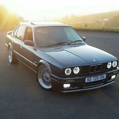 BMW E30 3 series black Bmw E30 Coupe, Bmw E30 M, Bmw E30 Convertible, Bmw M3 Sport, Bmw Old, Most Popular Cars, Mercedes Sls, Bmw Series, Automotive Photography