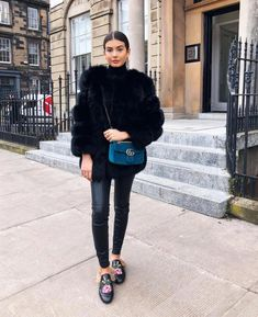 24647e6055b9 Street style, fur coat, Gucci floral princetown slippers, velvet Gucci  Marmont bag,