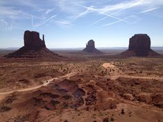 Unfortunately the Monument Valley is here denigrated by a heavy aerosol spraying day of manmade chemtrails over the famous landscape.