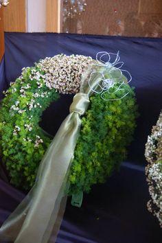 . Funeral Flower Arrangements, Funeral Flowers, Sympathy Flowers, Floral Bouquets, Christmas Wreaths, Floral Design, Plants, Art, Noel