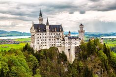 Neuschwanstein Castle, German | Discovered from Dream Afar New Tab