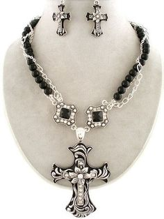 One of the most popular in store! CHUNKY WESTERN COWGIRL DECORATIVE CROSS BLACK PEARL SILVER NECKLACE SET JEWELRY