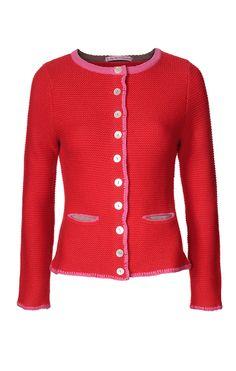 MY HERZALLERLIEBST    Aus sehr weichem, mongolischen Cashmere gefertigte Trachten-Strickjacke der Trendmarke My Herzallerliebst in dem Farbton Rot. Die figurnah geschnittene Damen-Strickjacke ist mit paspelierten Fronttaschen in Pink, Perlmutt-Zierknöpfen und dekorativen Stitchings ausgestattet.
