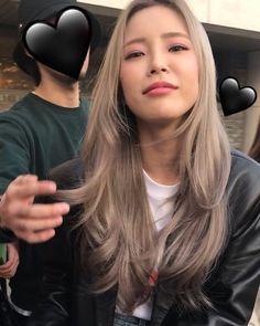 Blonde Hair Korean, Korean Hair Color, Blonde Hair Looks, Brown Blonde Hair, Asians With Blonde Hair, Hair Streaks Blonde, Korean Hair Dye, Blonde Straight Hair, Kpop Hair Color