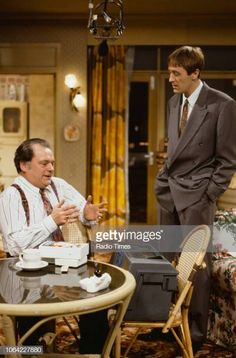 Actors David Jason and Nicholas Lyndhurst in a scene from episode 'The Chance of a Lunchtime' of the television sitcom 'Only Fools and Horses'. British Humor, British Comedy, David Jason, Only Fools And Horses, Comedy Actors, Classic Comedies, Vintage Tv, The Good Old Days, Best Shows Ever