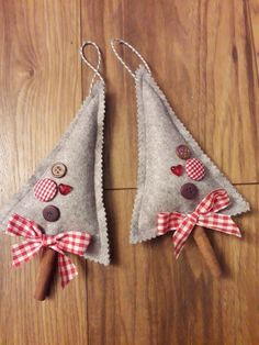Cinnamon Christmas decoration The Effective Pictures We Offer You About Diy Felt Ornaments christmas Felt Christmas Decorations, Christmas Ornament Crafts, Felt Ornaments, Handmade Christmas, Holiday Crafts, Christmas Crafts, Christmas Snowman, Beaded Ornaments, Glass Ornaments