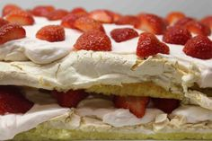 Camembert Cheese, Cheesecake, Goodies, Food And Drink, Baking, Desserts, Recipes, Strawberries, Sweet Like Candy