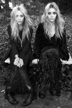 Mary-Kate & Ashley Olsen They're such great models, really. Mary Kate Ashley, Mary Kate Olsen, Elizabeth Olsen, Glamour, Quann Sisters, Pretty People, Beautiful People, Elizabeth And James Nirvana, Undone Look