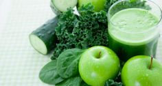 JUGO VERDE PARA ALCALINIZAR !  Esta maravillosa bebida les ayudará diariamente a alcalinizar el cuerpo y a desinflamarlo.  Ingredientes: 2 hojas de lechuga escarola 3 hojas de acelga ¼ de pepino ¼ de nopal 1 manojo de cilantro o perejil (también puede ir al gusto) 1 manzana verde  Todo a la licuadora o al extractor y si quieren, agreguen el jugo de un limón ¡quedará delicioso!