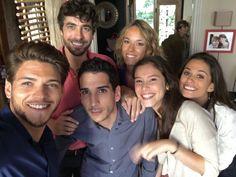 Rayane Bensetti avec les acteurs de la série Clem