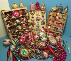 LOT OF 75 VINTAGE MERCURY GLASS CHRISTMAS ORNAMENTS PLUS GARLANDS - NO PLAIN #ShinyBriteWestGermany