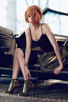 Miss Nicole brings some edge, attitude, and a really cute bob to the Jimmy Choo fall campaign. Nicole Kidman stars the Jimmy Choo Fall 2013 ad Nicole Kidman, Jimmy Choo, Boots Talon, Stella Tennant, Pin Up, Clutch, Look Chic, Looks Style, Shades Of Red