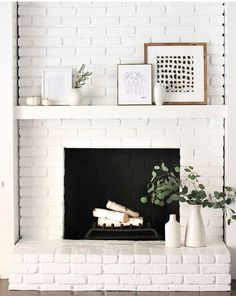 Most recent Screen white Fireplace Decor Tips Fireplace decorating is why is the fireplace one of many home's most important showcases. Living Room White, Boho Living Room, White Rooms, Living Room Decor, Living Rooms, Brick Fireplace Makeover, White Fireplace, Fireplace Design, Brick Fireplace Decor