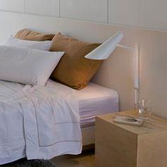 http://www.vibia.com/it/int/lampade-da-parete-i-cono_a-parete