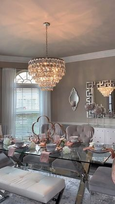 Decor Home Living Room, Dining Room Table Decor, Elegant Dining Room, Luxury Dining Room, Beautiful Dining Rooms, Dining Room Design, Chandelier For Living Room, Dinning Room Ideas, Dining Table Chandelier