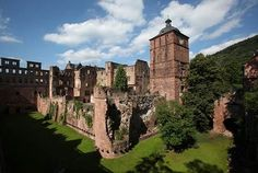 Located on a hill overlooking a river valley, Heidelberg Castle is a red-sandstone fortress that was built in the 1200s.
