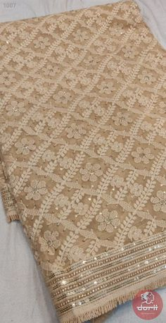 Beautiful chikankari on pure Georgette Saree Blouse Neck Designs, Saree Blouse Patterns, Bridal Blouse Designs, Silk Saree Kanchipuram, Chiffon Saree, Saree Wearing Styles, Saree Floral, Textile Pattern Design, Drape Sarees