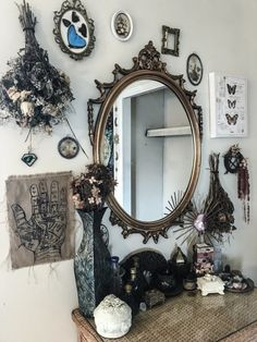 In Wicca, an altar is a sacred space to commune with the god & the goddess, to connect with the elements - earth, air, fire & water -… Ux Design, Interior Design, Living Room Modern, My Living Room, Interior Inspiration, Room Inspiration, Goth Home Decor, Style Deco, Up House