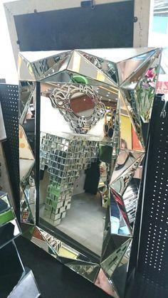 Diy Mirror, Wall Mirror, Stencils, Furniture Design, December, Consoles, Awesome, Pink, Organization