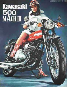 """25 ottobre 1968. Salone di Tokyo. La storia motociclistica mondiale vira bruscamente verso oriente. La parola d'ordine è """"maxi"""". Viene presentata la Kawasaki 500 H1 Mach III, che da subito si qualifica come la più personale, cattiva, acerba e divertente moto in circolazione  #kawasaki"""