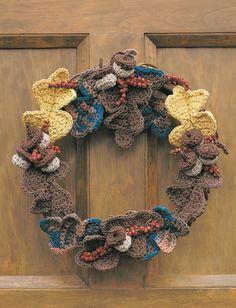 Autumn Harvest wreath, free pattern by Yarnspirations