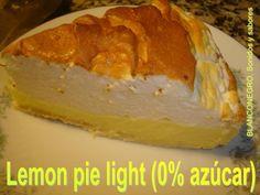 Lemon pie Light (0% azúcar) Ingredientes para la masa: 150 g. de harina + ½ cdita. de polvo de hornear 1 pizca de sal 2 sobres de sucralosa, o edulcorante en polvo apto para cocción 1 yema 25 g. de manteca (mantequilla) 10 cdas. de leche descremada (aproximadamente) ½ cdita de esencia de vainilla Cantidad necesaria de clara para pintar la masa Spray vegetal para rociar la tartera Sugar Free Cookies, Dukan Diet, Dessert Recipes, Desserts, Diabetic Recipes, Sweet Treats, Lemon, Mousse, Pie