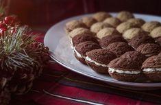 Čas na vánoční cukroví. Zkuste ořechy plněné krémem | Dobrá chuť | Lidovky.cz
