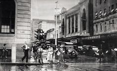 Never before seen photographs of 'Lost Brisbane' over past 150 years Brisbane Cbd, Brisbane Queensland, Queensland Australia, Old Photos, Vintage Photos, Fat Orange Cat, Aussie Australia, Douglas Macarthur, South Pacific