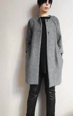 Veste Chloé (modèle tiré du magazine La Maison Victor) associée à un pantalon bi-matière (modèle Burda Style) et T-shirt oversize.
