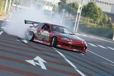 Toyota Soarer drifting with lots of smoke. Nissan Sports Cars, R Vinyl, Drifting Cars, Japanese Cars, Sexy Cars, Vroom Vroom, Fast Cars, Custom Cars, Jdm