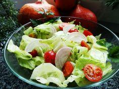 SURÓWKA Z SAŁATY LODOWEJ - Jemy i nie tyjemy. Kuchnia według Sylwii Lettuce, Vegetables, Food, Essen, Vegetable Recipes, Meals, Yemek, Salads, Veggies