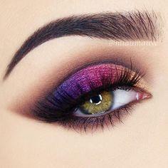 Purple Smokey Makeup Idea For Green Eyes An eye colors . - make up - Eye Makeup Hazel Eye Makeup, Nude Makeup, Eye Makeup Tips, Smokey Eye Makeup, Eyeshadow Makeup, Eyeliner, Makeup Ideas, Beauty Makeup, Makeup Brushes