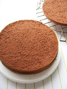 Search result for moist light chocolate sponge cake. Easy and delicious homemade recipes. See great recipes for Light and Moist Chocolate Sponge Cake too! Sponge Recipe, Sponge Cake Recipes, Cake Slicer, Cakes Plus, Cupcakes, Take The Cake, Cake Toppings, Cake Tins, Vegetarian Chocolate