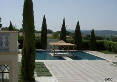 Saint-Tropez mansion with Roc2c Portuguese pavement